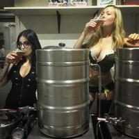 pints and pinups kegs women